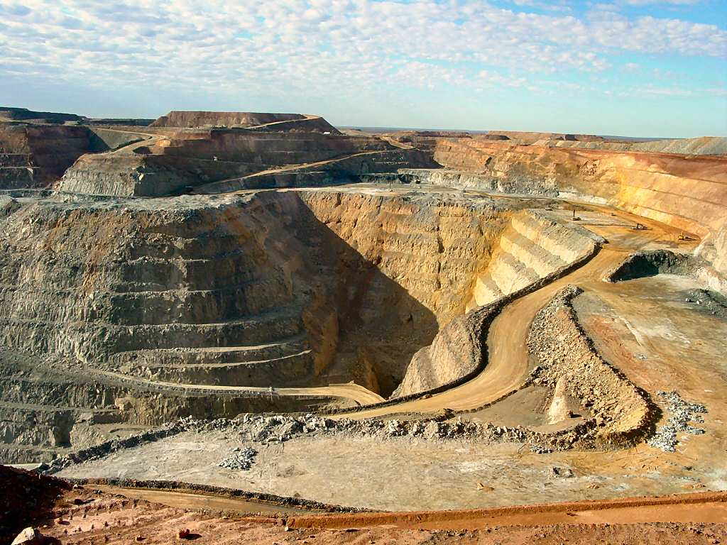 New report shows challenging outlook for gold industry