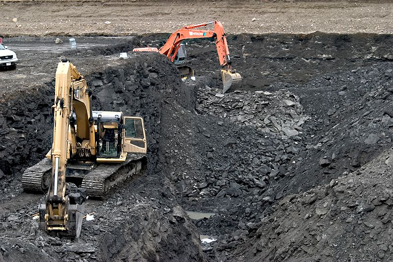 Major Mining Players At Risk of Collapse