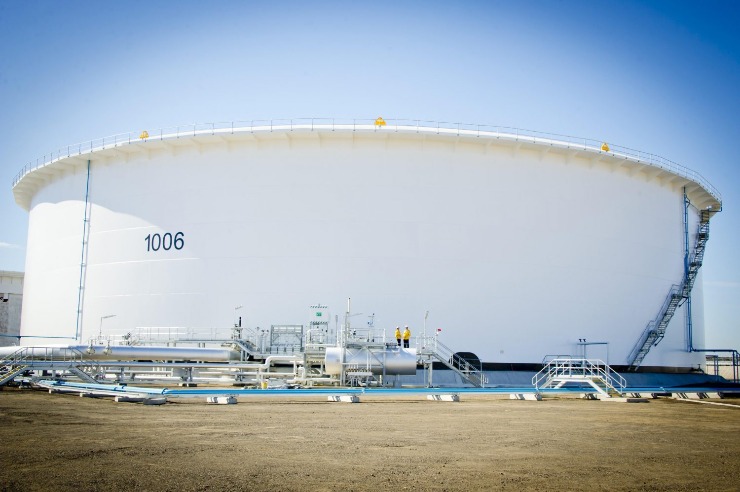 100 million litre crude oil tank opens in Geelong